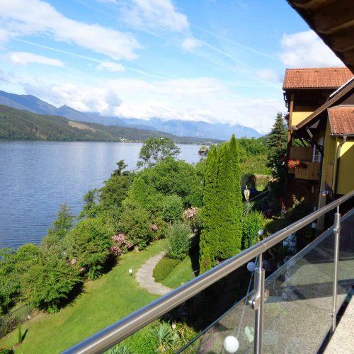 Blick von Ferienwohnung auf Millstätter See in Österreich