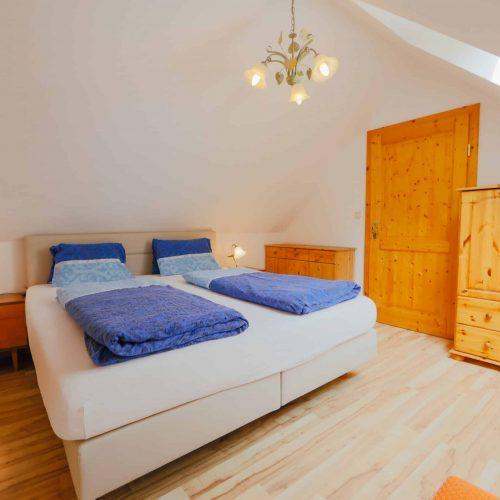 Schlafzimmer in Ferienwohnung am Millstätter See in Kärnten - Pension Sedlak
