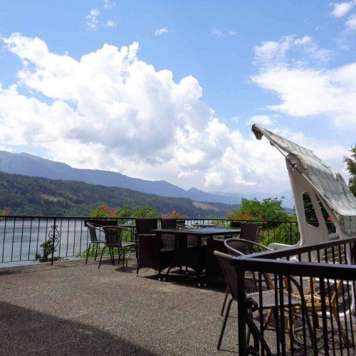 Terrasse mit Blick auf Millstätter See in Kärnten - Urlaubsland in Österreich