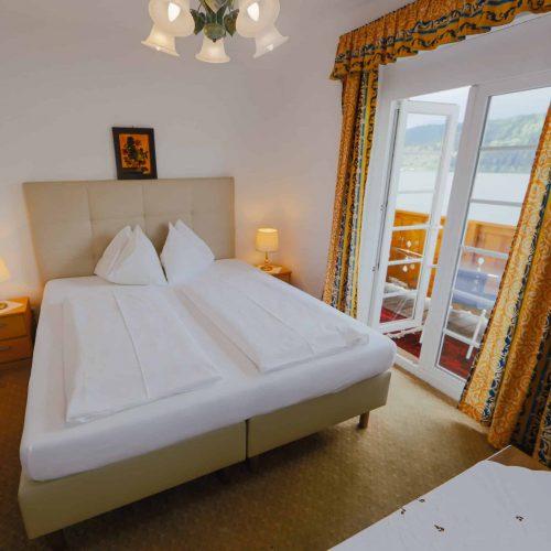 Zimmer mit Balkon und Seeblick auf Millstätter See