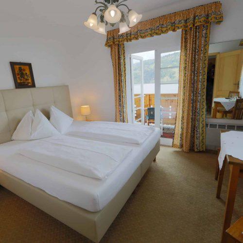 Doppelzimmer mit Seeblick und Balkon am Millstätter See